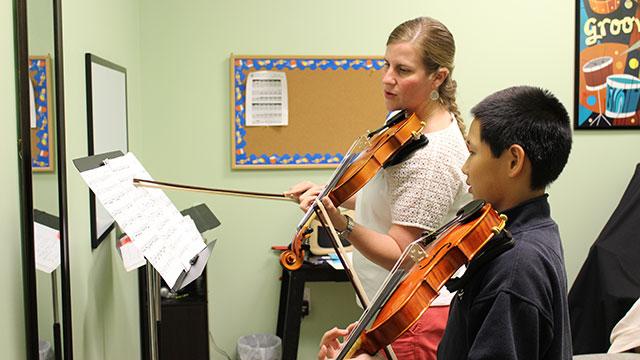 cam_violin_lesson
